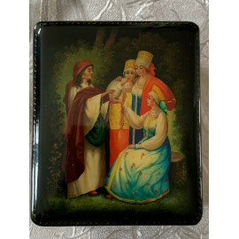Russian Lacquer Box, Fedoskino fortune teller Size 2.8x3.4 Inches New Condition